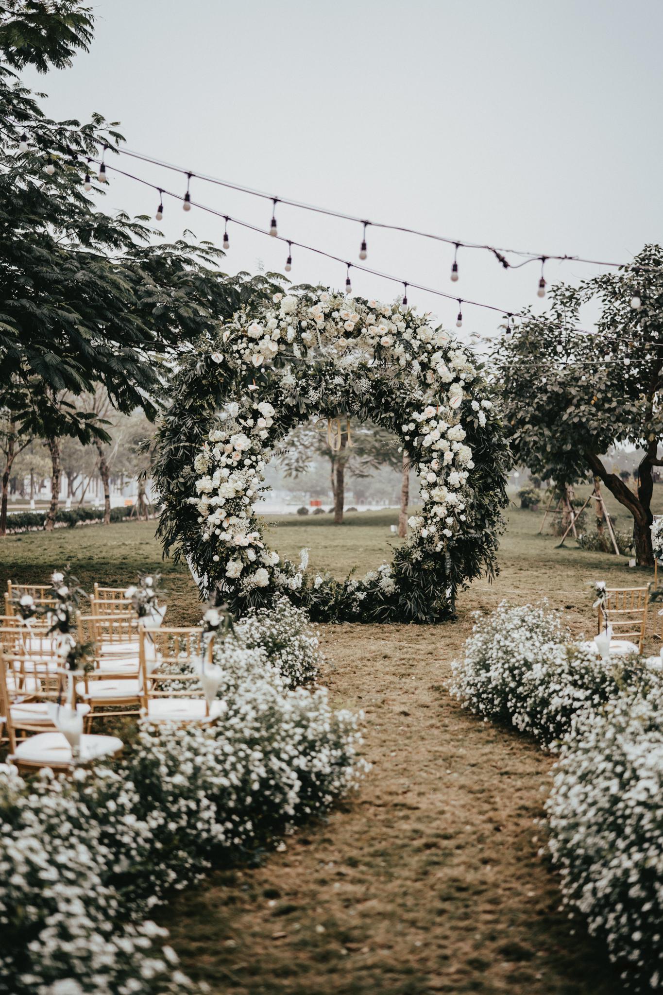 JWMarriott Ha Noi Intimate Wedding of Trang Hi well captured by Hipster Wedding Vietnam Wedding Photographer-97193.jpg