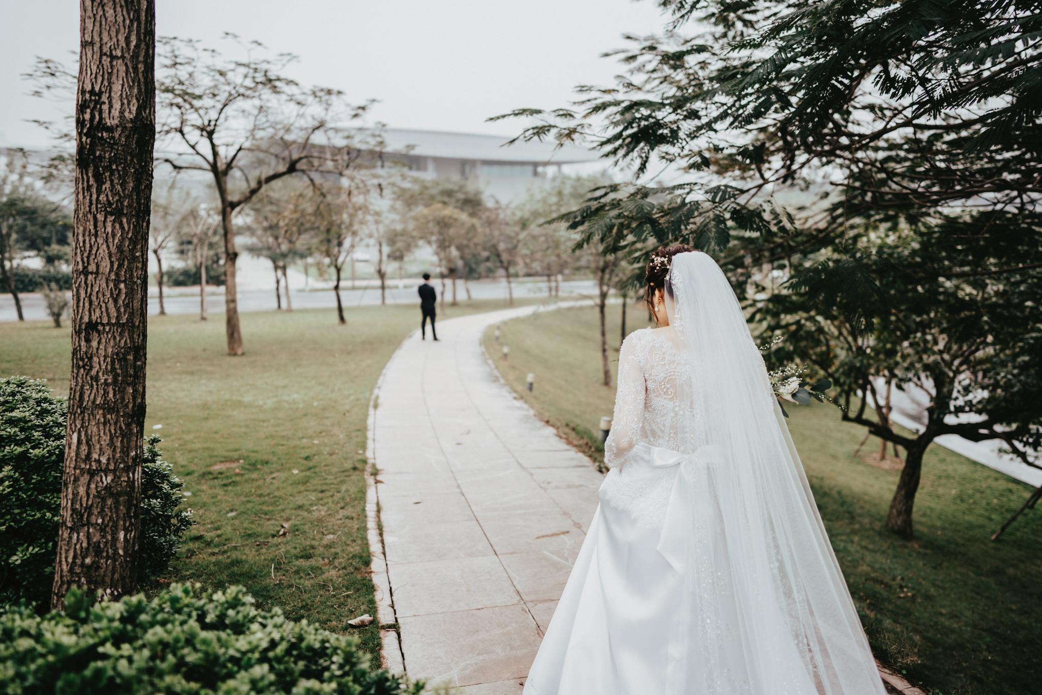 JWMarriott Ha Noi Intimate Wedding of Trang Hi well captured by Hipster Wedding Vietnam Wedding Photographer-35707.jpg