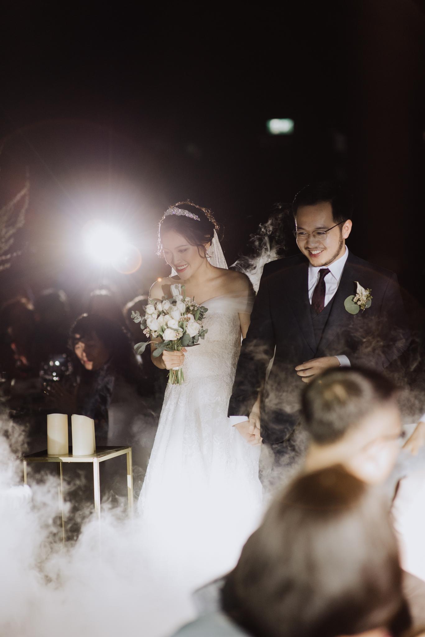 JWMarriott Ha Noi Intimate Wedding of Trang Hi well captured by Hipster Wedding Vietnam Wedding Photographer-4280.jpg