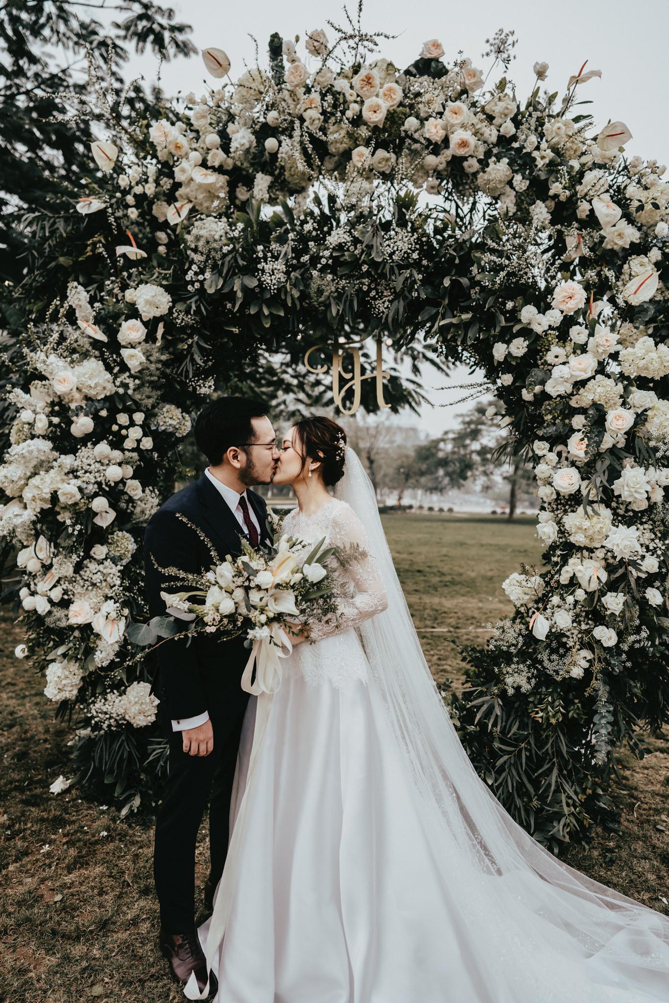 JWMarriott Ha Noi Intimate Wedding of Trang Hi well captured by Hipster Wedding Vietnam Wedding Photographer-35997.jpg