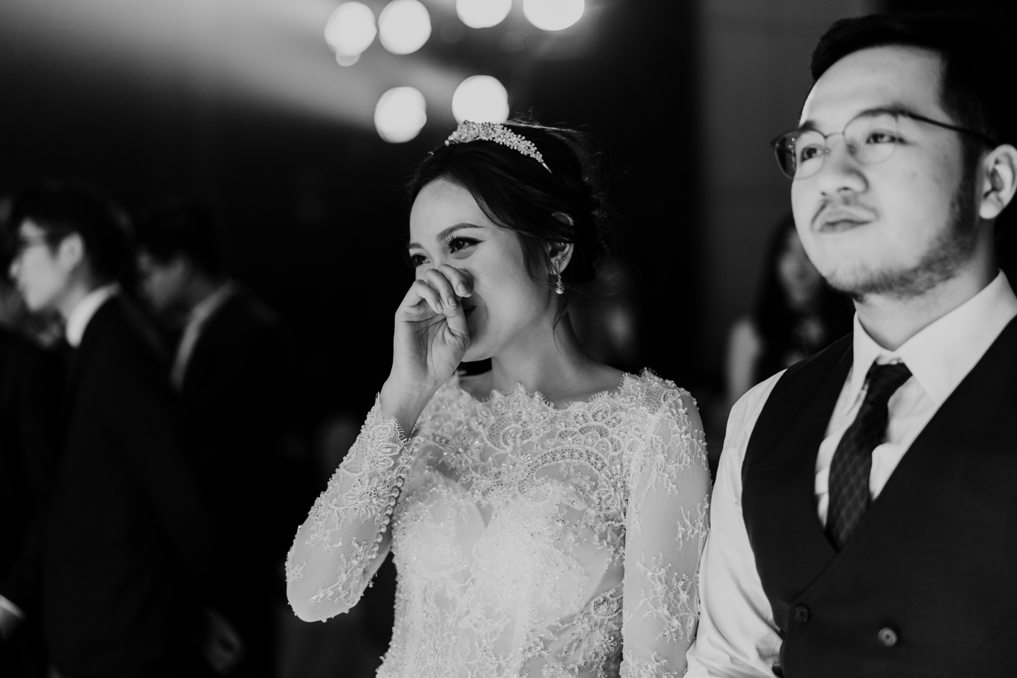 JWMarriott Ha Noi Intimate Wedding of Trang Hi well captured by Hipster Wedding Vietnam Wedding Photographer-97670.jpg