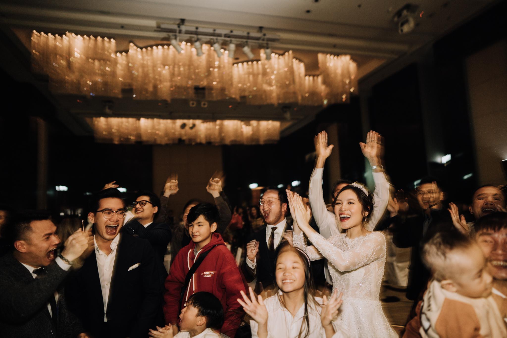 JWMarriott Ha Noi Intimate Wedding of Trang Hi well captured by Hipster Wedding Vietnam Wedding Photographer-36727.jpg