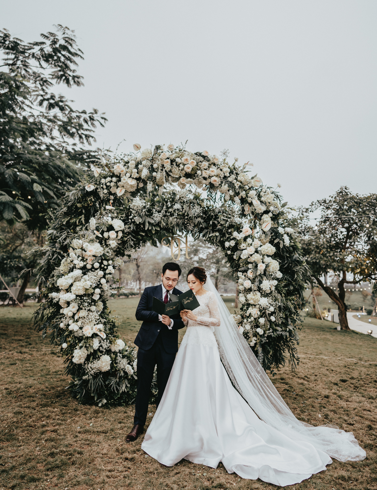 JWMarriott Ha Noi Intimate Wedding of Trang Hi well captured by Hipster Wedding Vietnam Wedding Photographer-35880.jpg