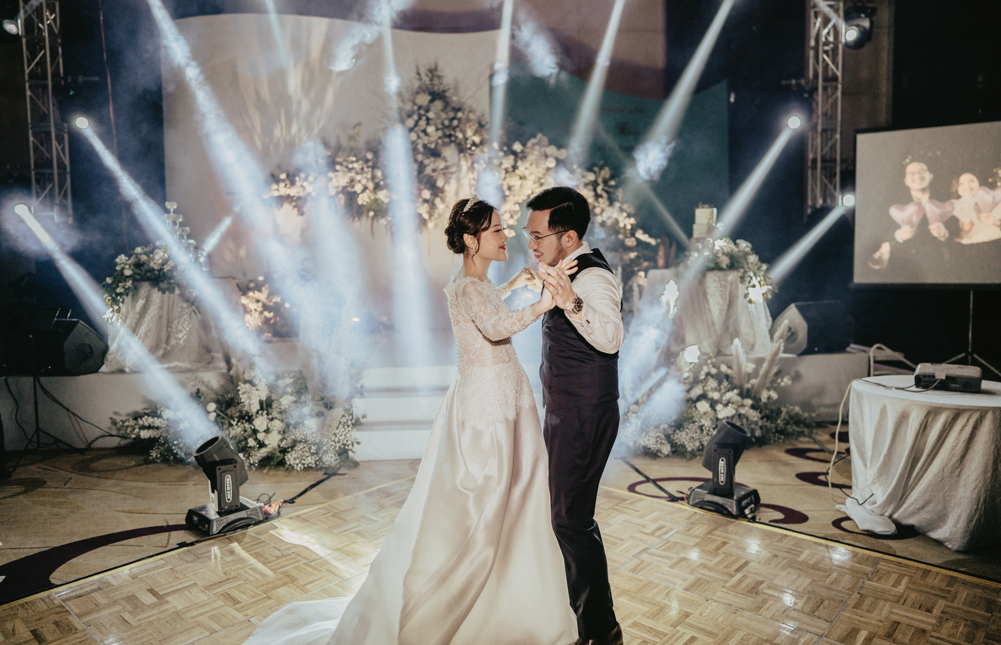 JWMarriott Ha Noi Intimate Wedding of Trang Hi well captured by Hipster Wedding Vietnam Wedding Photographer-36295.jpg
