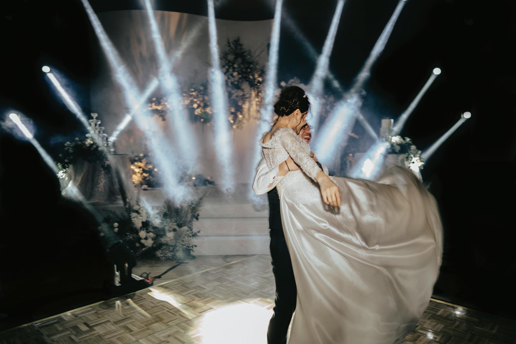 JWMarriott Ha Noi Intimate Wedding of Trang Hi well captured by Hipster Wedding Vietnam Wedding Photographer-36345.jpg