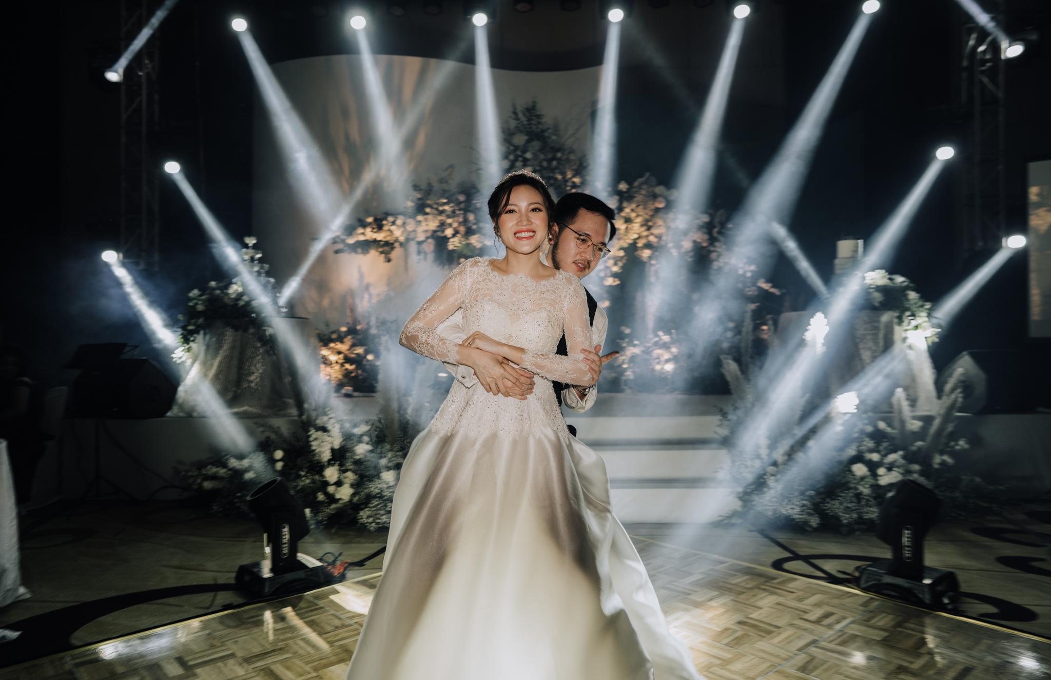 JWMarriott Ha Noi Intimate Wedding of Trang Hi well captured by Hipster Wedding Vietnam Wedding Photographer-36432.jpg