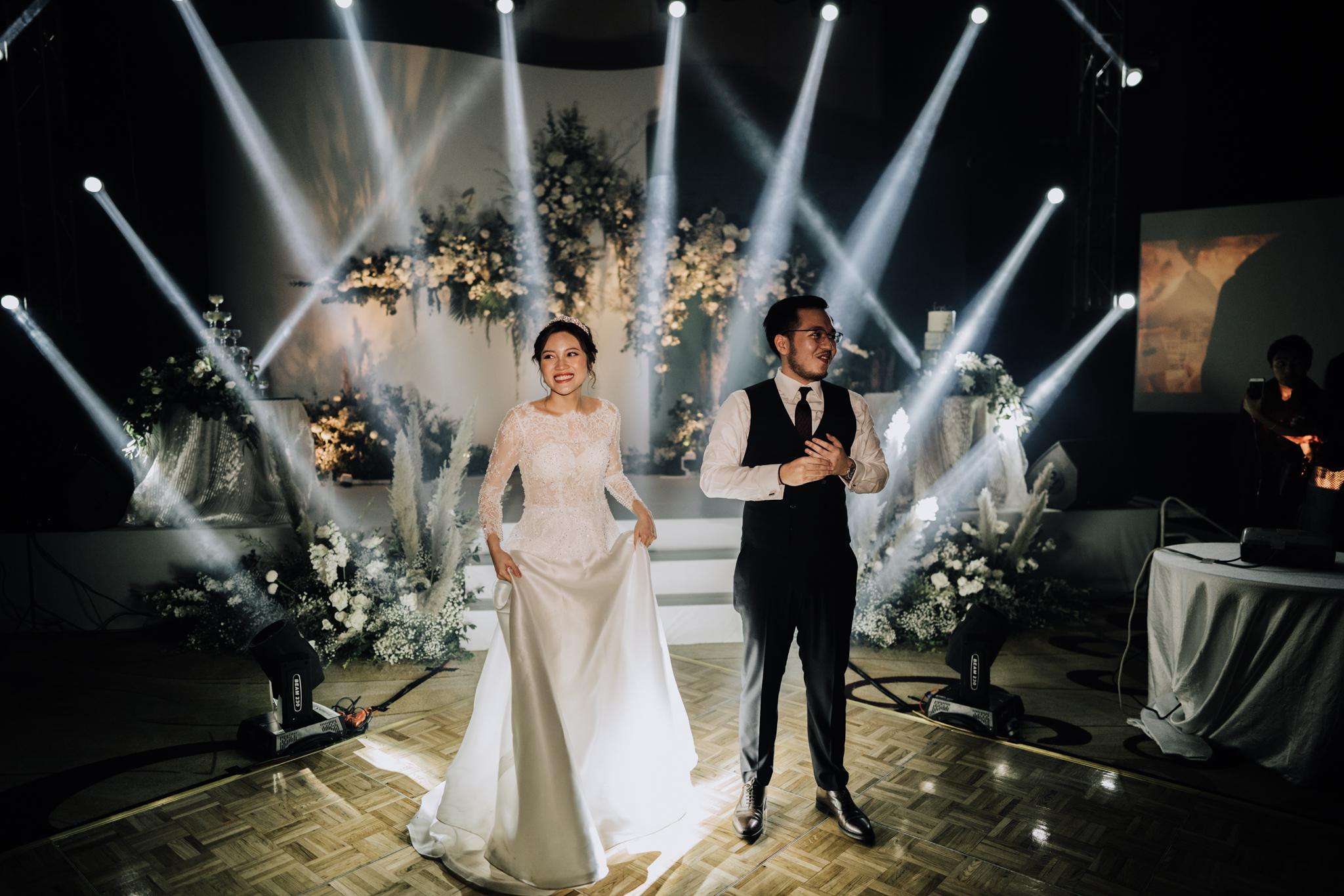JWMarriott Ha Noi Intimate Wedding of Trang Hi well captured by Hipster Wedding Vietnam Wedding Photographer-36459.jpg