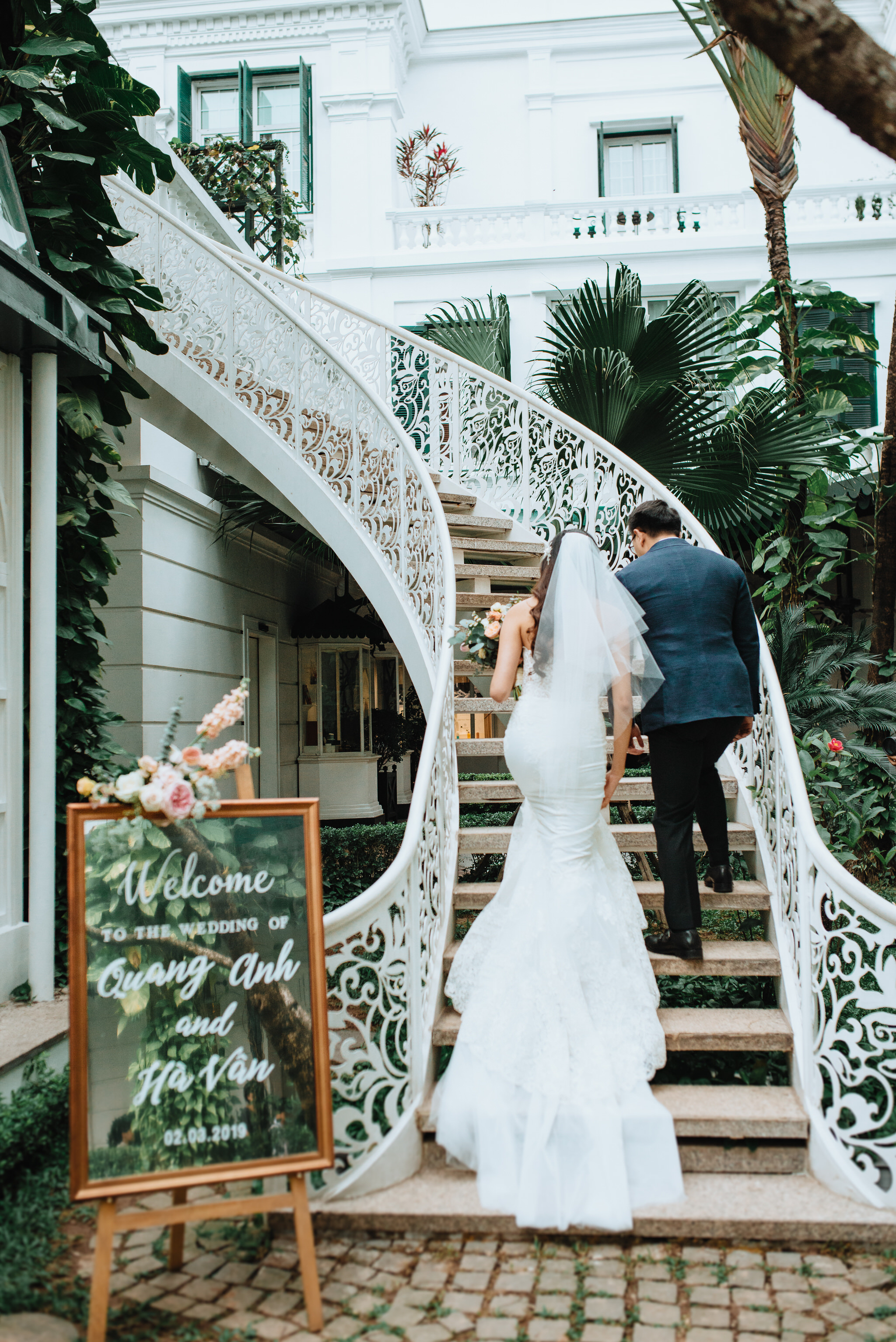 - Clients: Ha Van & Quang Anh Planner: Giang Bui Concept, decoration & coordination: The F Lab Venue: Sofitel Legend Metropole Hanoi Photo: Mirror Studio Video: Great Wedding Film  MUA: Dung Nguyen
