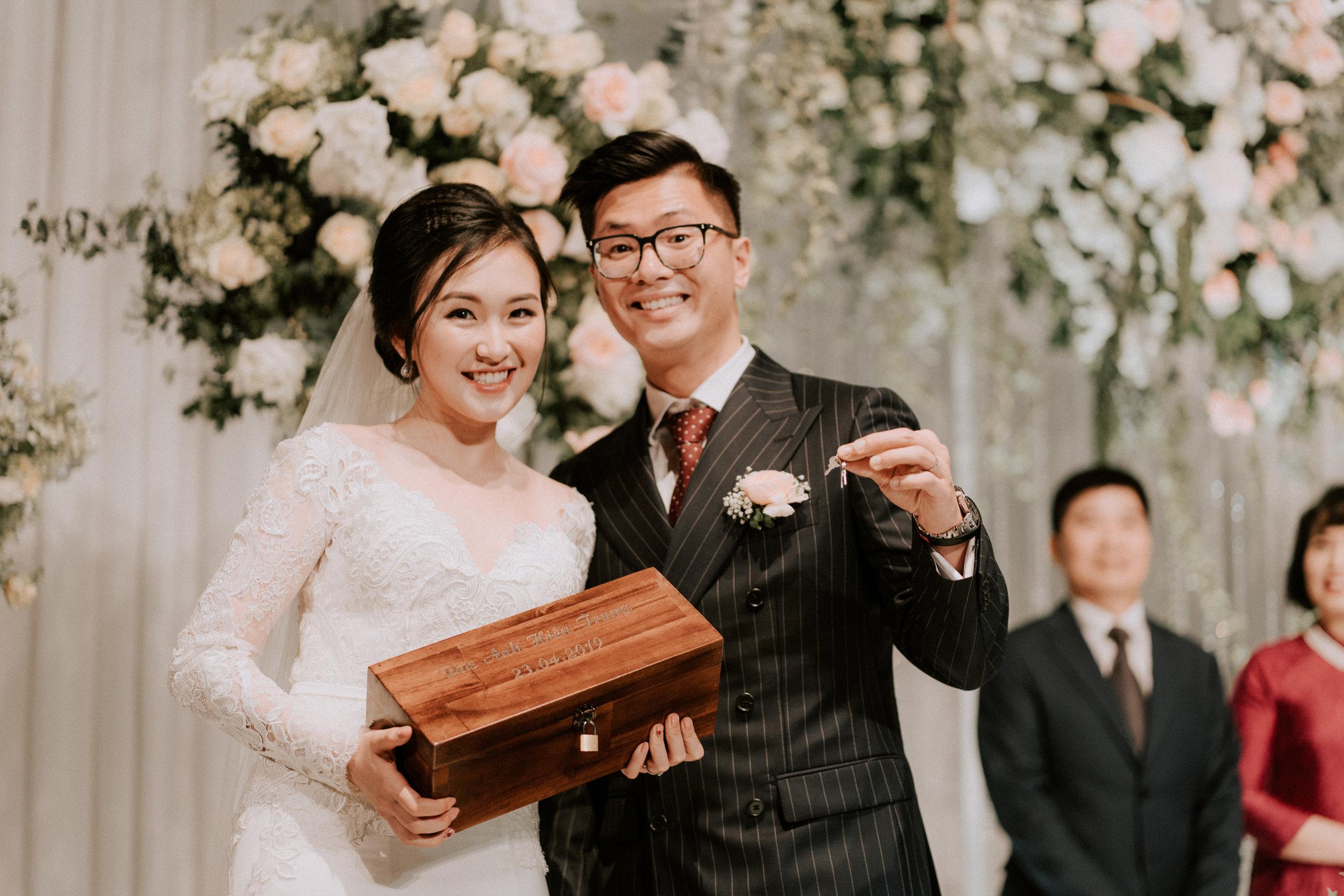 Mirrorwedding Destination Photographer TopofHanoi Duc Anh Hien Trang 182445.jpg