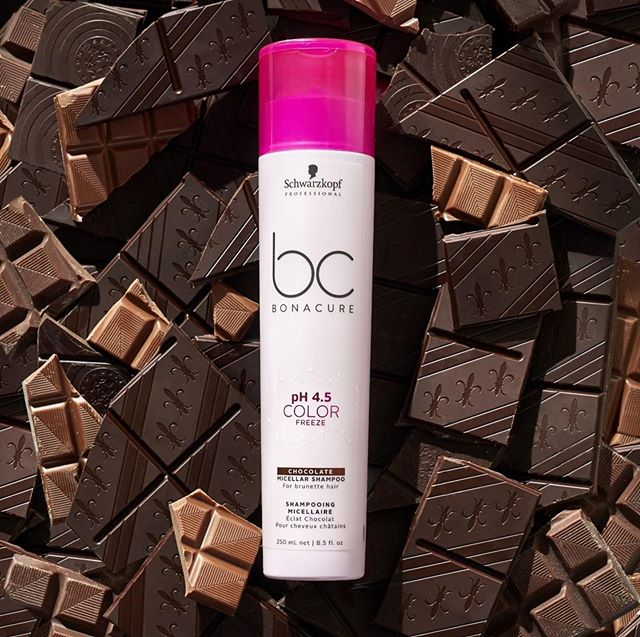 #brunette babes need love too! Protect your colors vibrancy and longevity with @schwarzkopfpro #bonacurehairtherapy ✨✨ #Repost @schwarzkopfpro ・・・ SWEET chocolate tones! 🍫 A mix of colourenhancing pigments refresh and revive #brunette hair for a radiant finish! #BCBonacure #ColorFreeze #healthyhair #beautifulhair #BELIEVEINCONFIDENCE #madeforme #skincareforhair #beautycare #apassionforhair