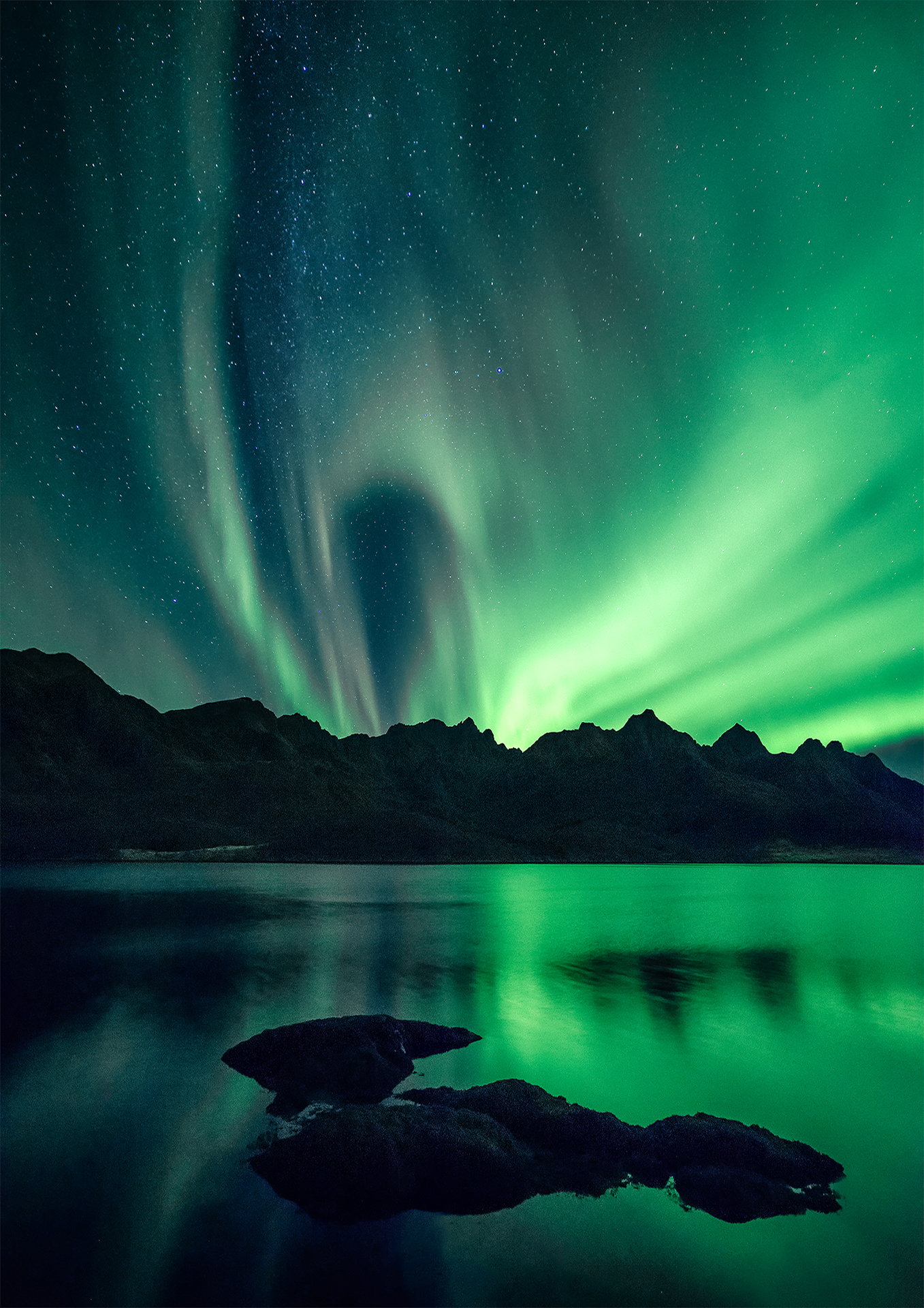 Steinlandsfjorden   Norse mythology- during every battle, odin would decide which warrior would die and join him in Valhalla. After their deat, they would be carried by the Valkyries to Odin and it is the reflection of the shining armor of these Valkyries that create the Northern Lights.