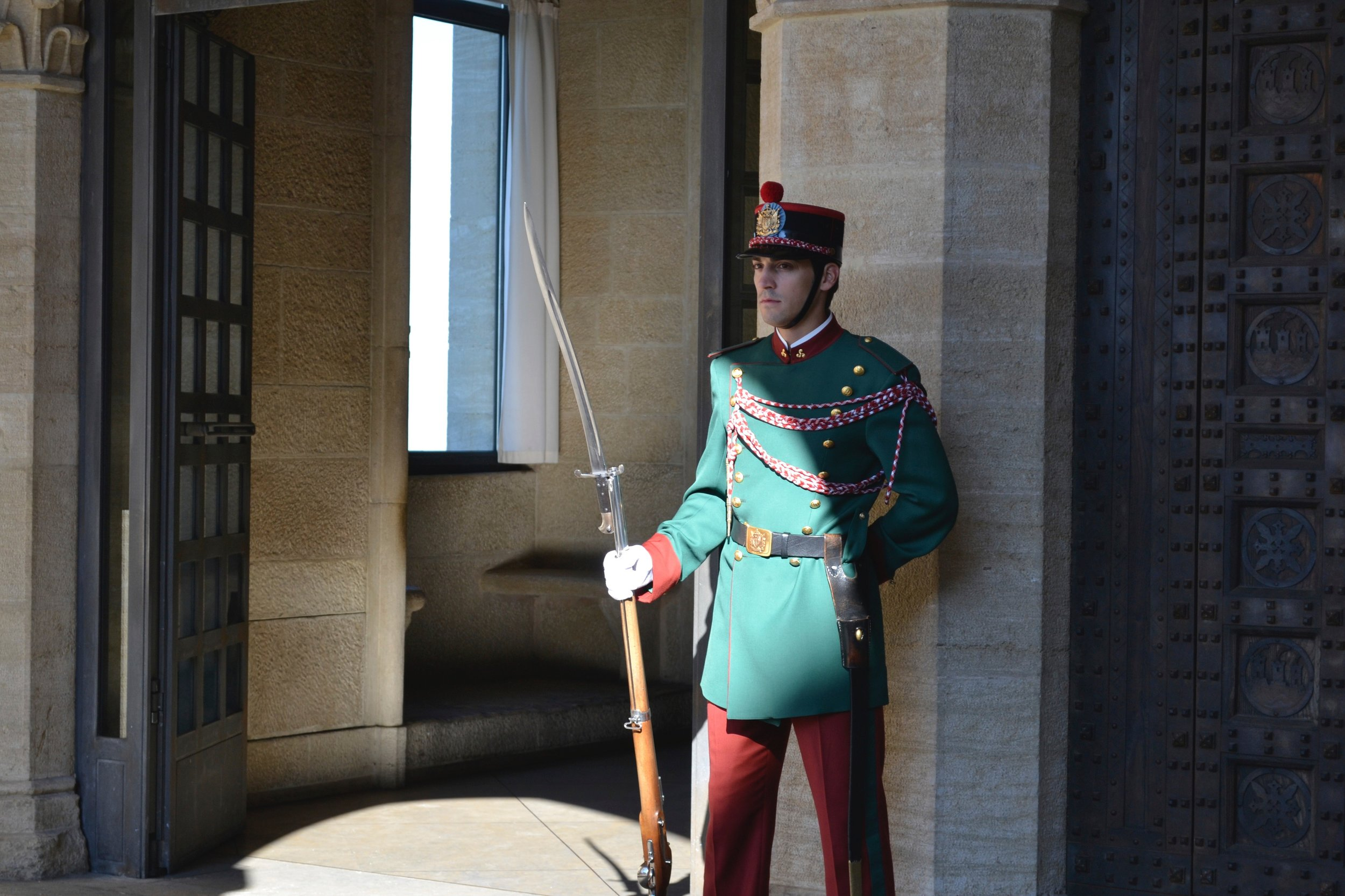 Guard at Palazzo Pubblico.jpg