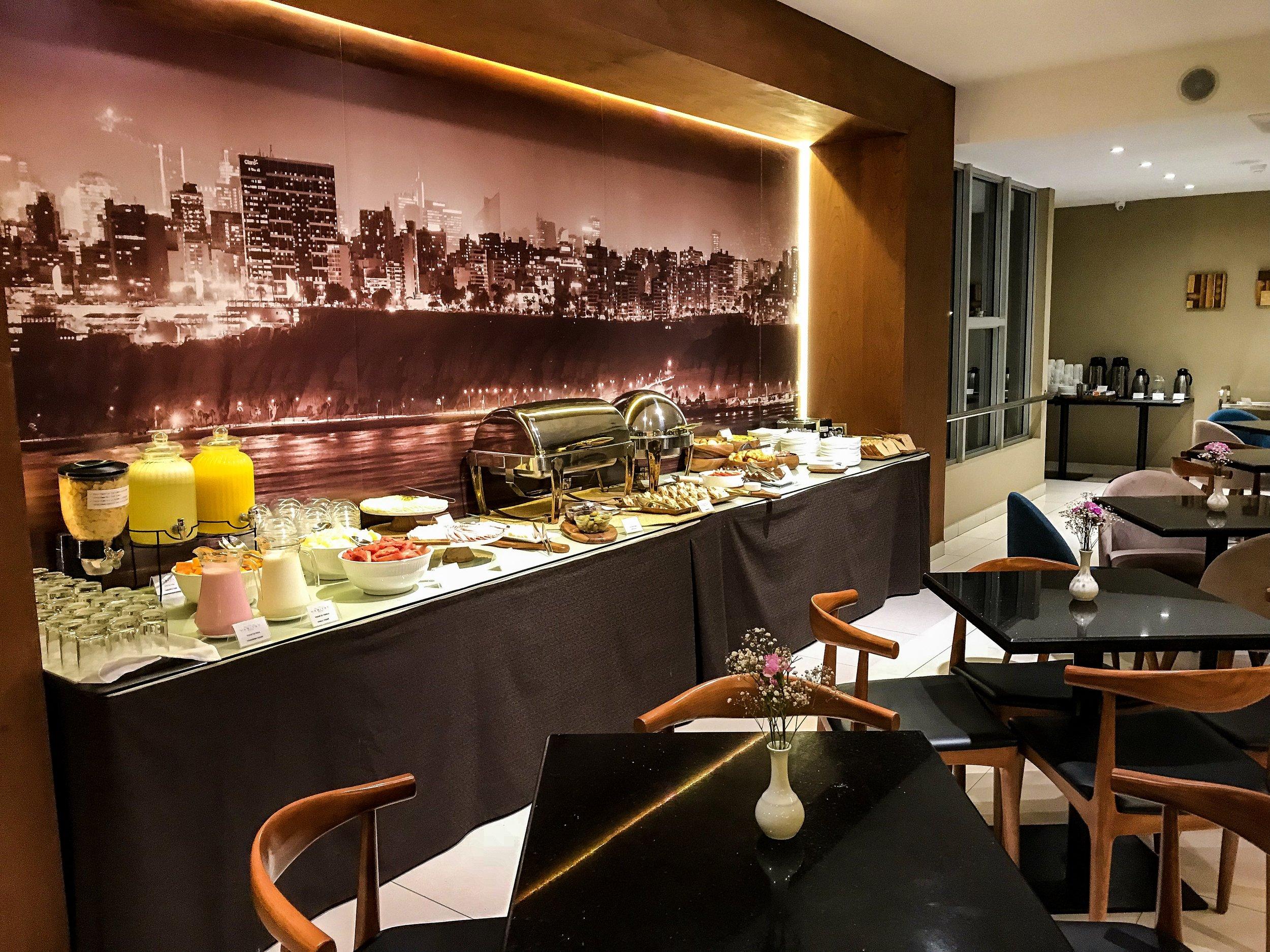 The breakfast room in the Habitat Hotel