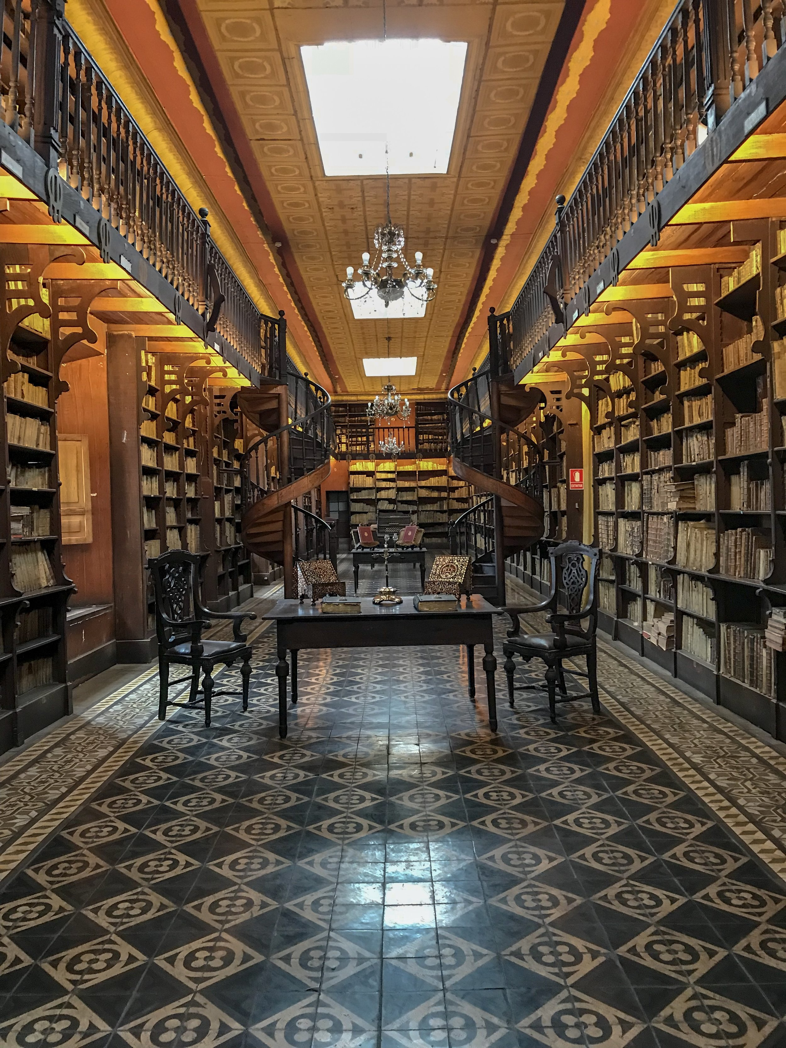 Library in the Convent of San Francisco.JPG