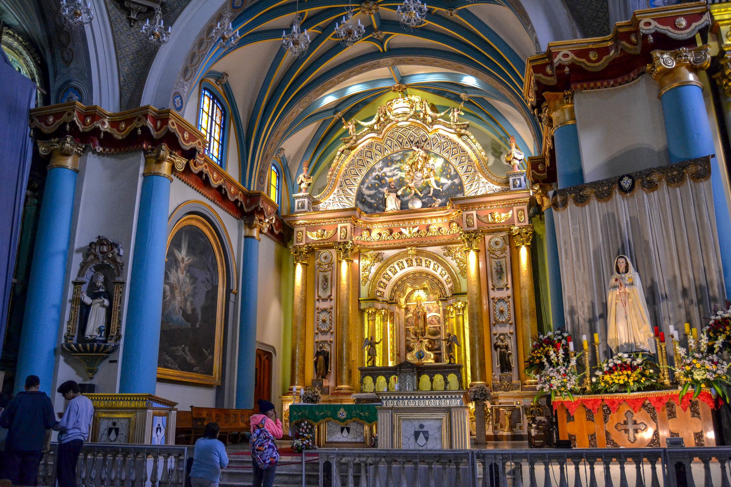 High Altar in Church of Santo Domingo.jpg