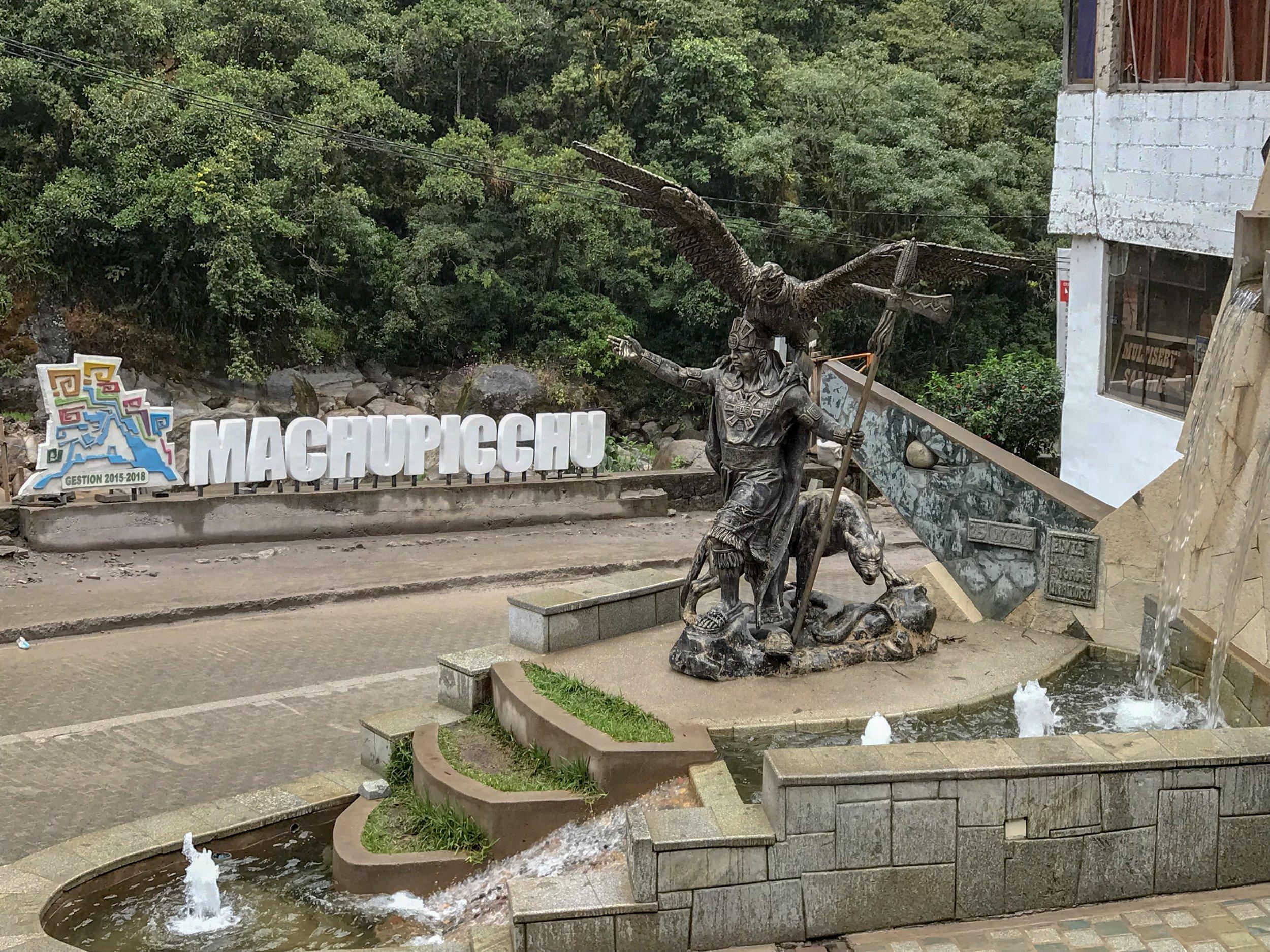Aguas Calientes Inca Statue.jpg