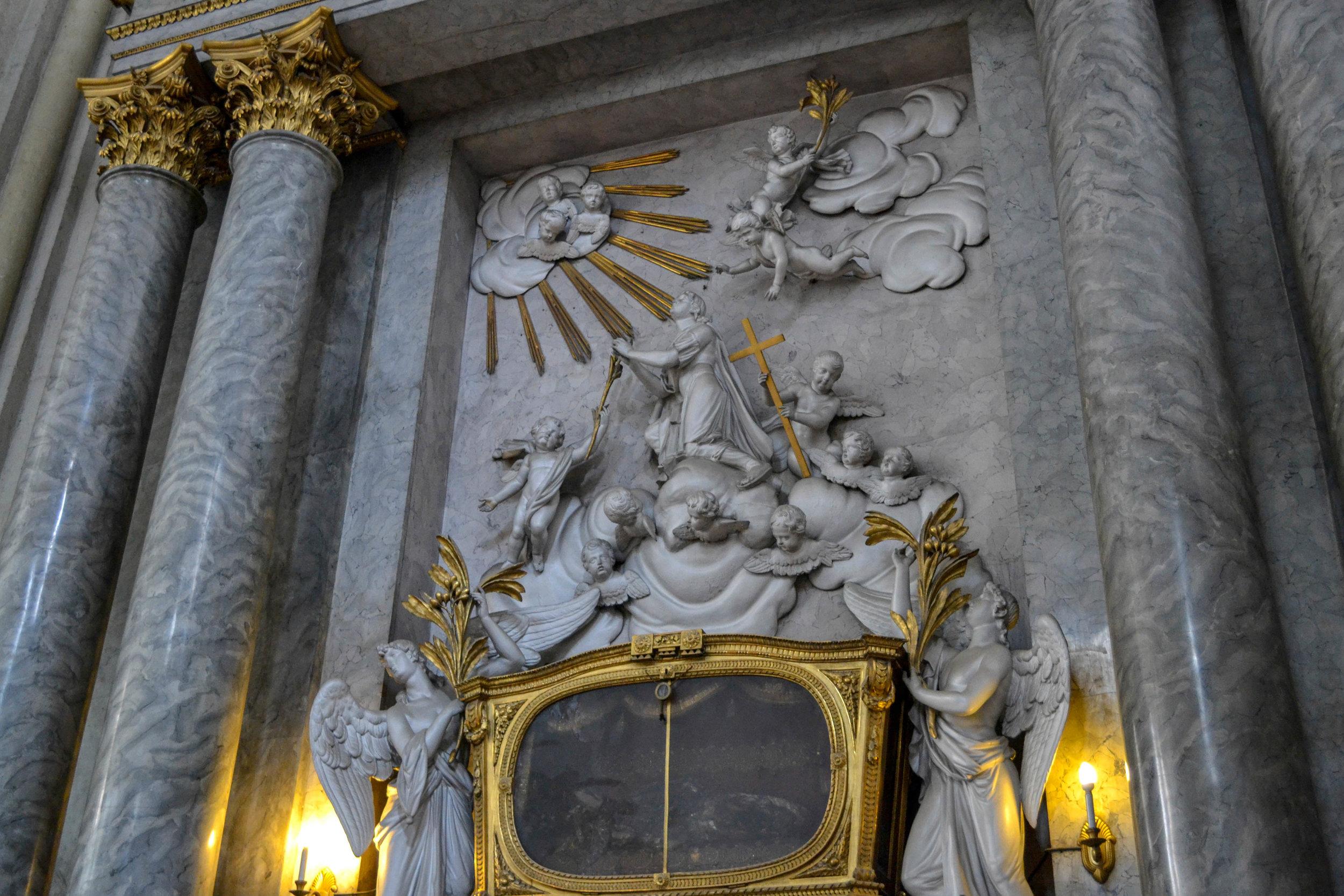 Michaelskirche Relics.jpg