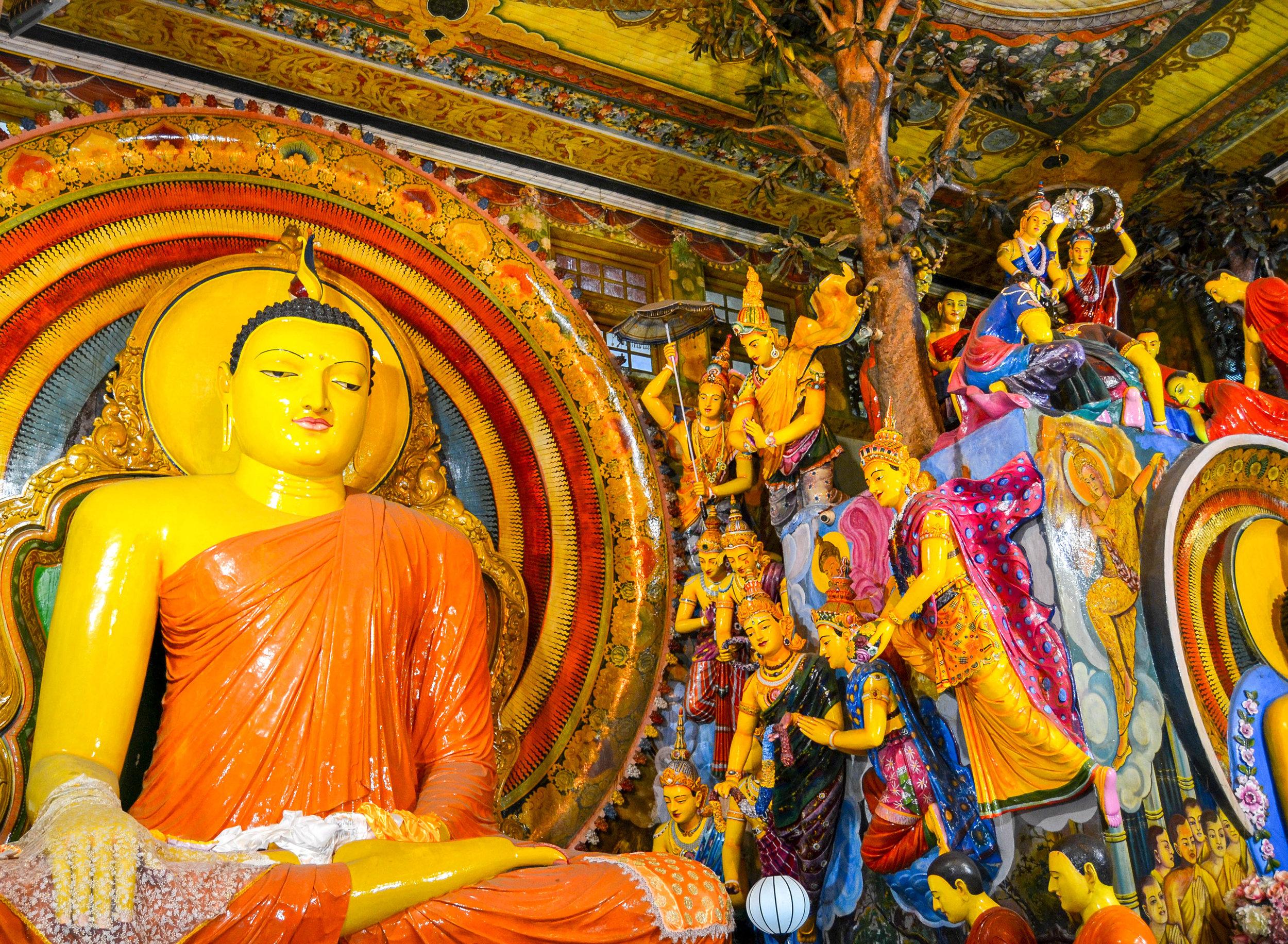 Gangaramaya Temple Buddha