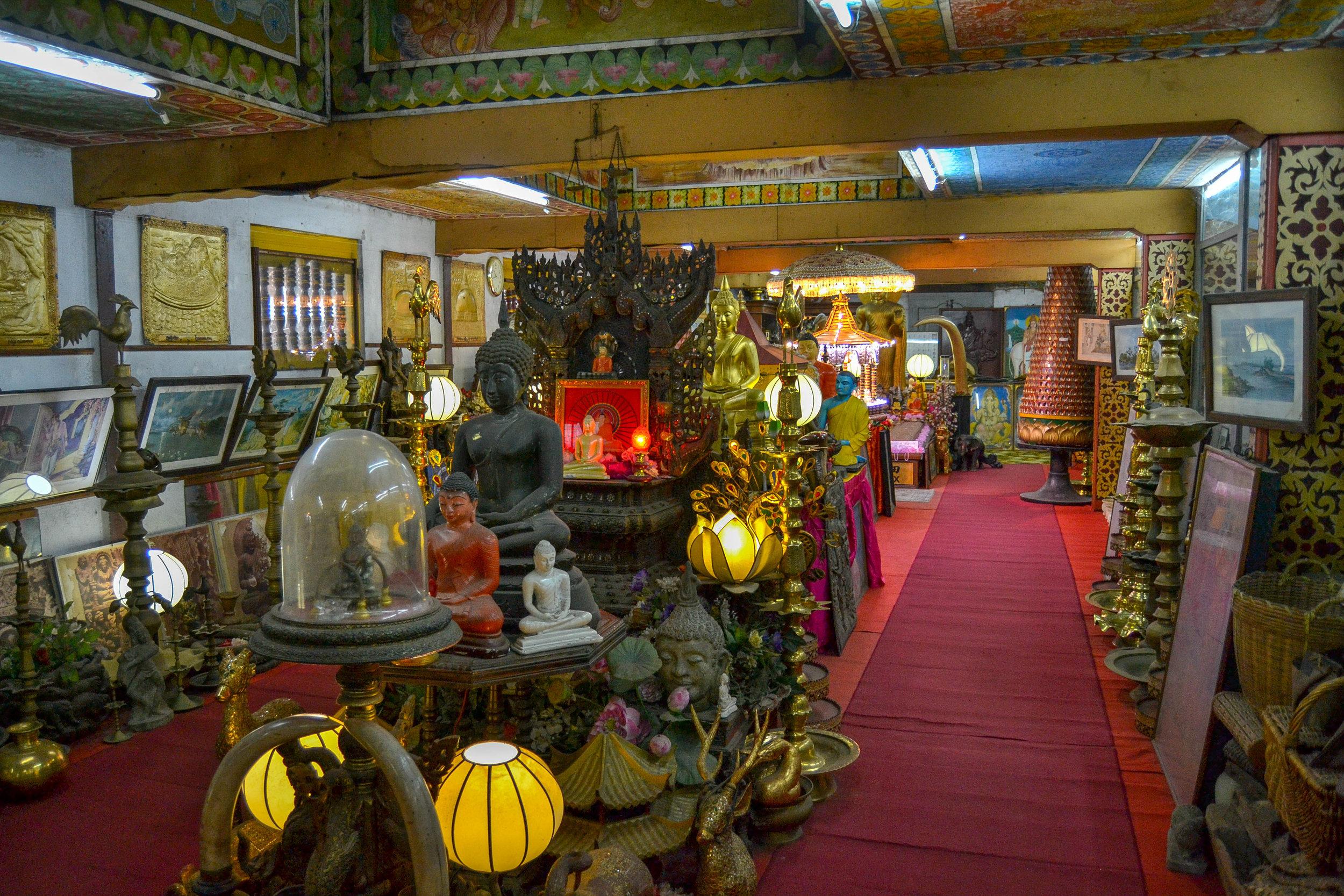 Gangaramaya Museum