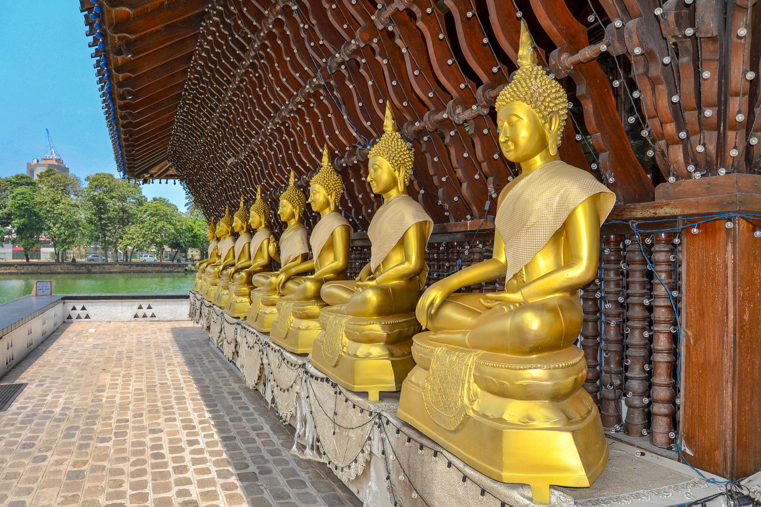 Seema Malaka Buddhas