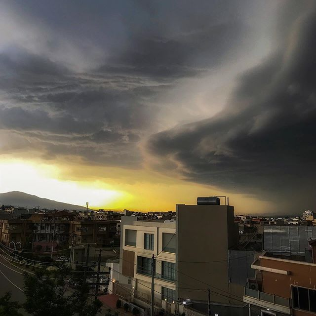 A storm came rolling in this morning while having a tea on the roof. #clouds #iraq #kurdistan #springstorms #thunderstorm #landscape
