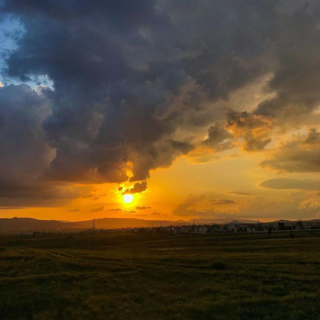 The storms came and went, but there was still a beautiful sunset at the end of the day. #iraq #kurdistan #landscape #landscapephotography #nature #naturephotography #sunset #inspirational #gratitude