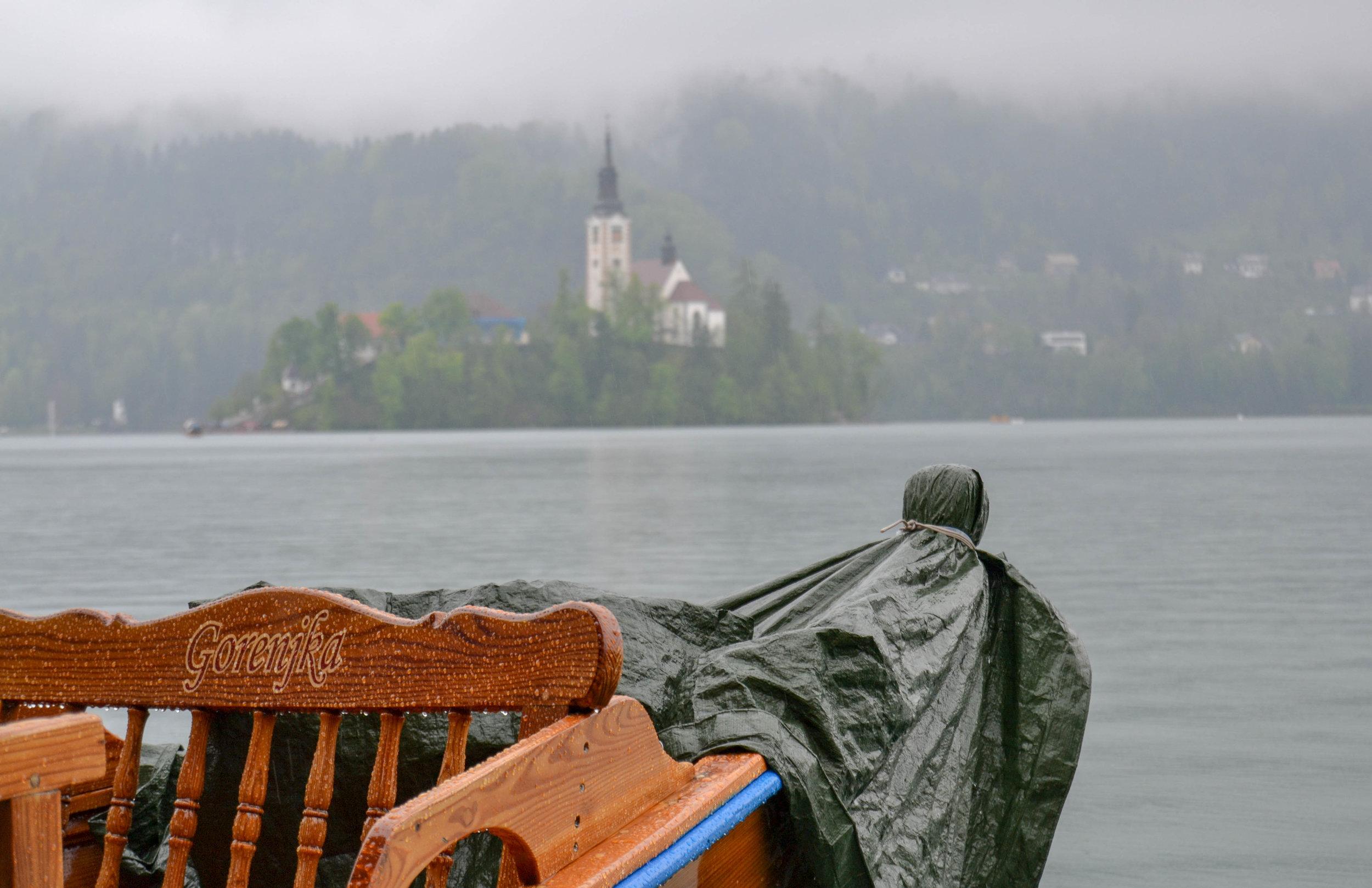 Lake Bled Pletna.jpg