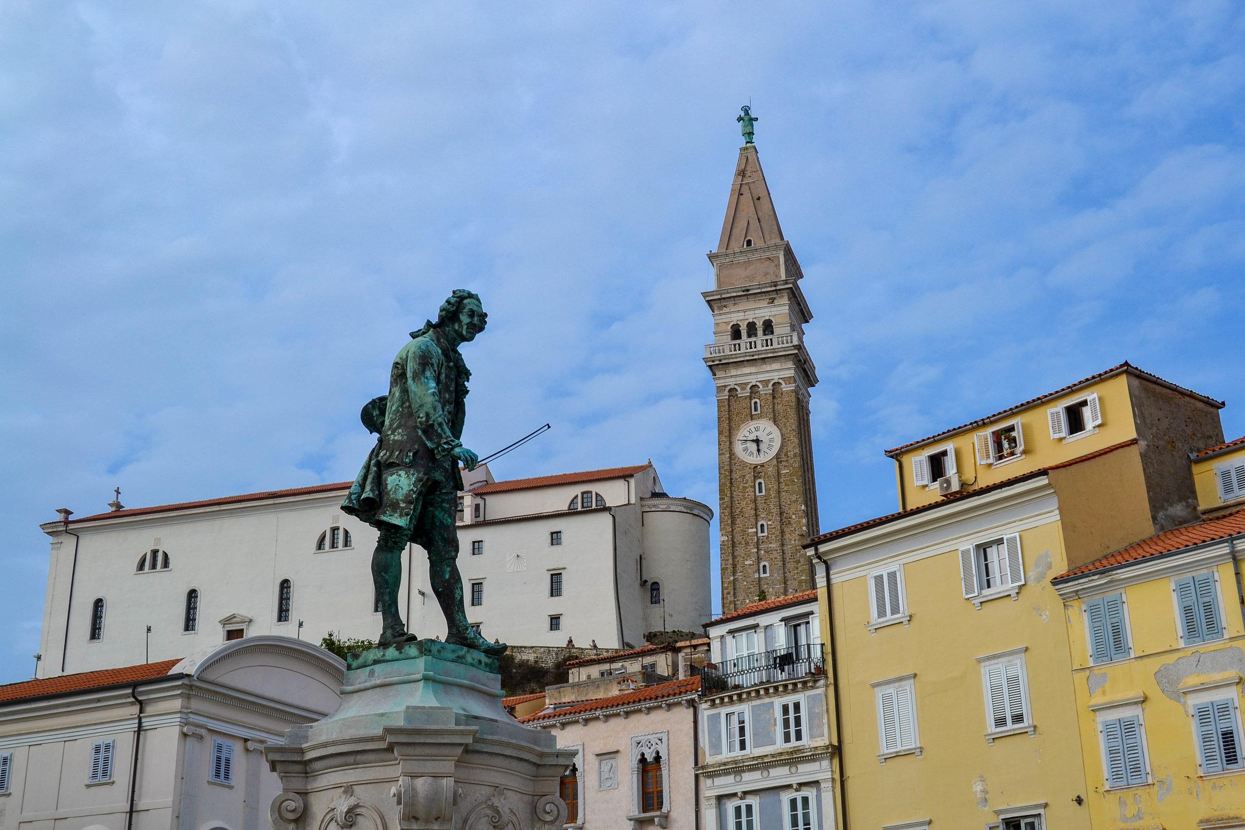 Giuseppe Tartini Statue Piran.jpg