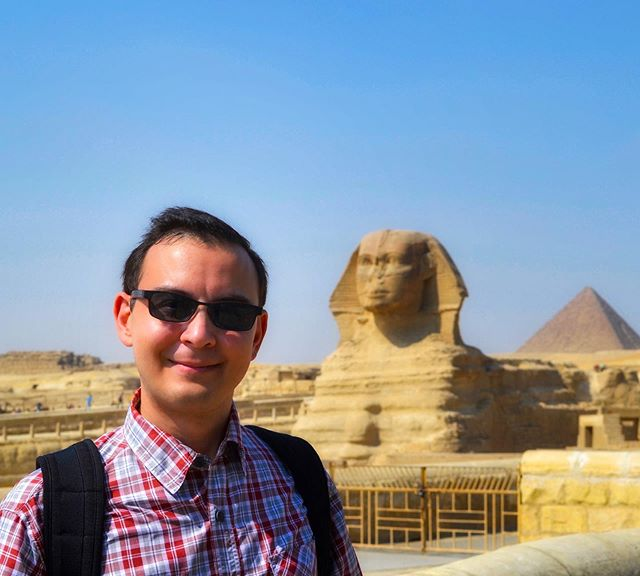 Since I had been recently lecturing on the art of ancient Egypt and its many artistic wonders, it seemed only appropriate to include this pic from my time in the land of the pharaohs. #egypt #pyramidsofgiza #greatsphinx #history #arthistory #travel #wonder