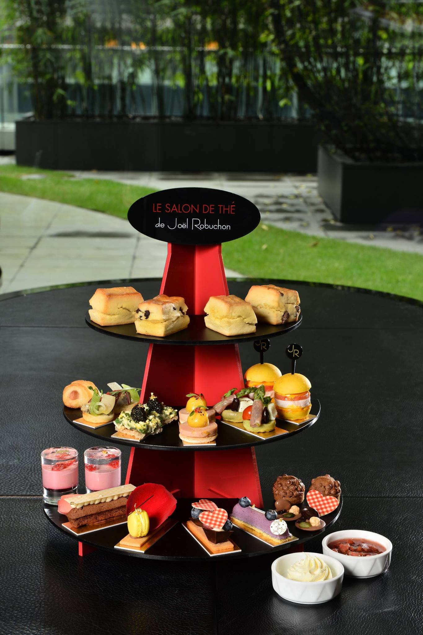 Le Salon de Thé de Joël Robuchon Afternoon Tea.jpg