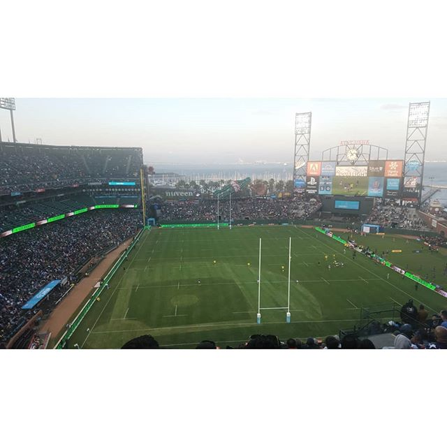 🏉🏆 : rugby world cup sevens w/ @daaaavidchriss #rwc7s #rugbyworldcup #sanfrancisco #attpark