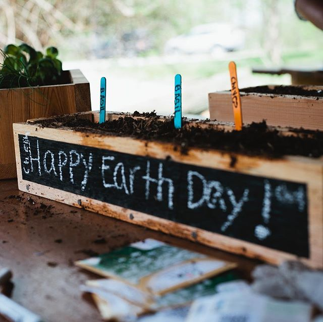 HAPPY EARTH DAY. Here's a little throwback to our Earth Day event with @bbbspgh at Schenley Park. We teamed up with @john_malecki to make some sweet planter boxes. Bigs and littles filled their boxes with soil and seed. What a great day!