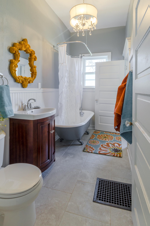 1148 22nd Street - main bath after (1).jpg