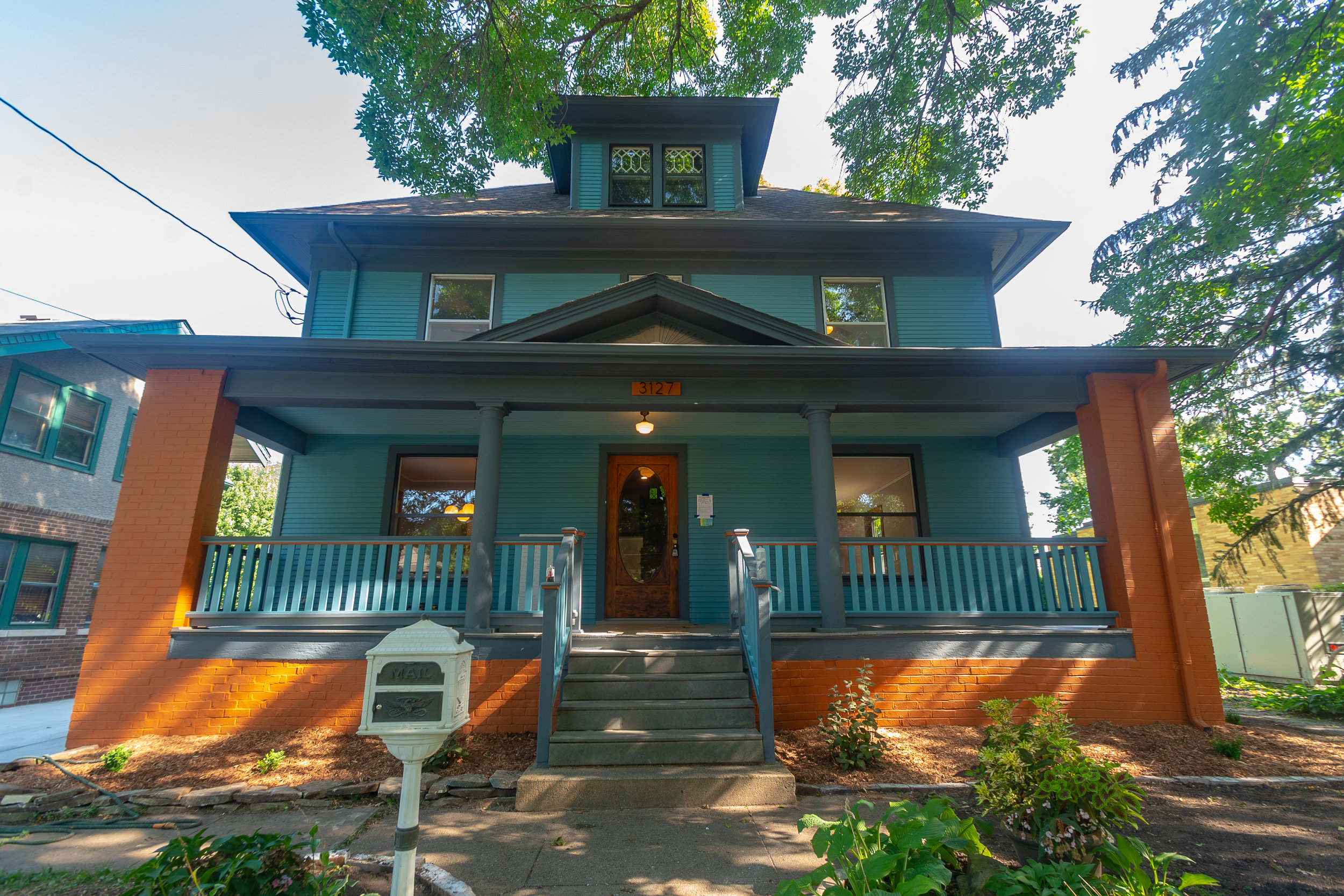 3127 Cottage Grove exterior