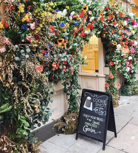 Divine shopfront in Belgravia, London