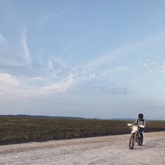 Baja 1,000 bound! 📸 @simplyemilydunn
