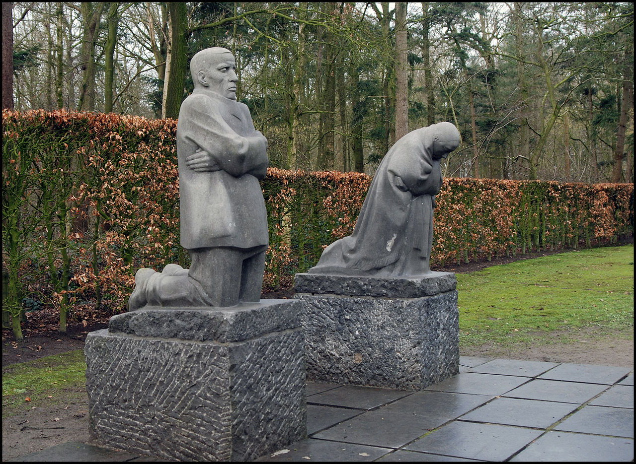 Käthe Kollwitz - The Grieving Parents