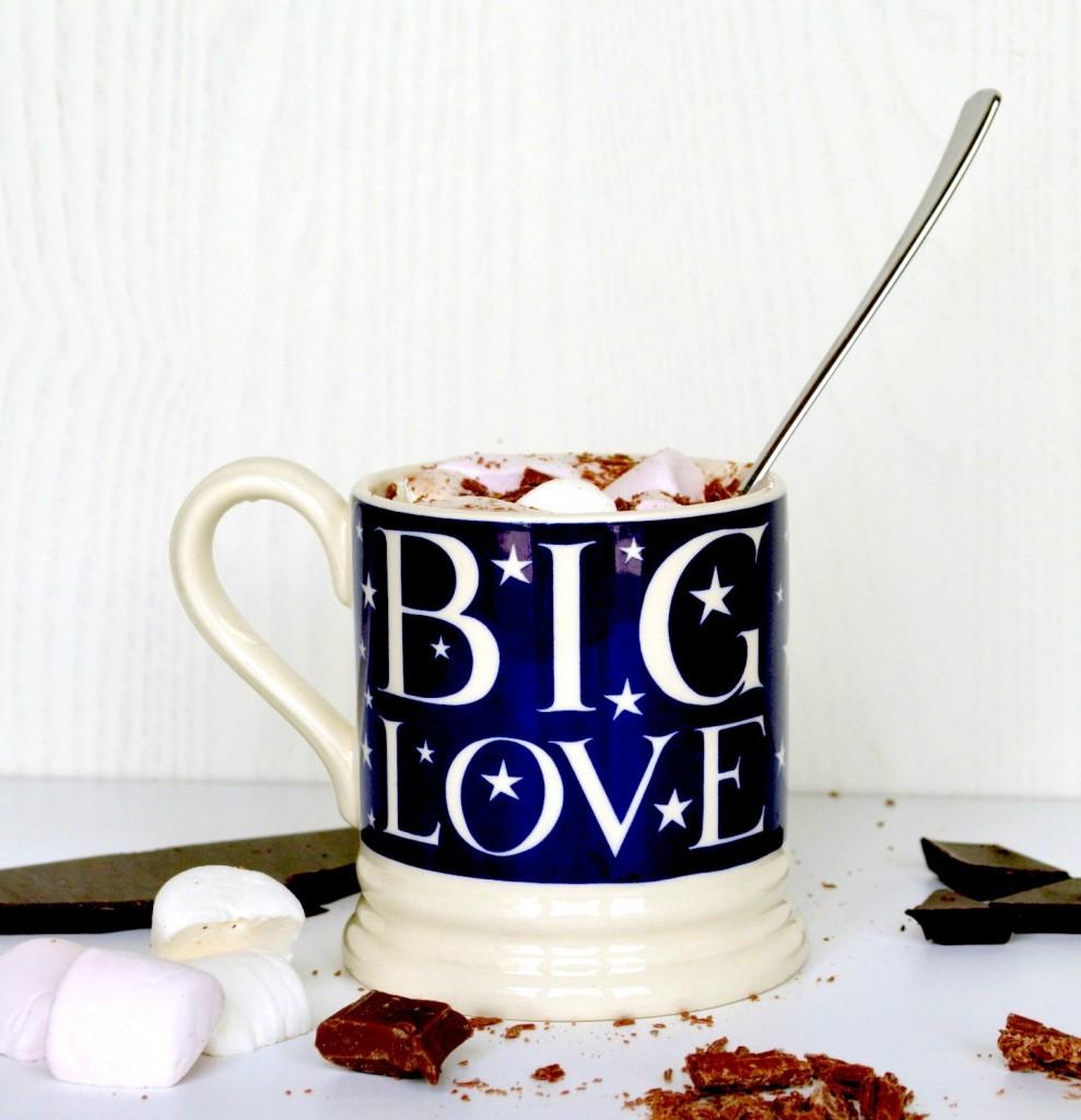 Homemade-hot-chocolate-recipe-989x1024.jpg