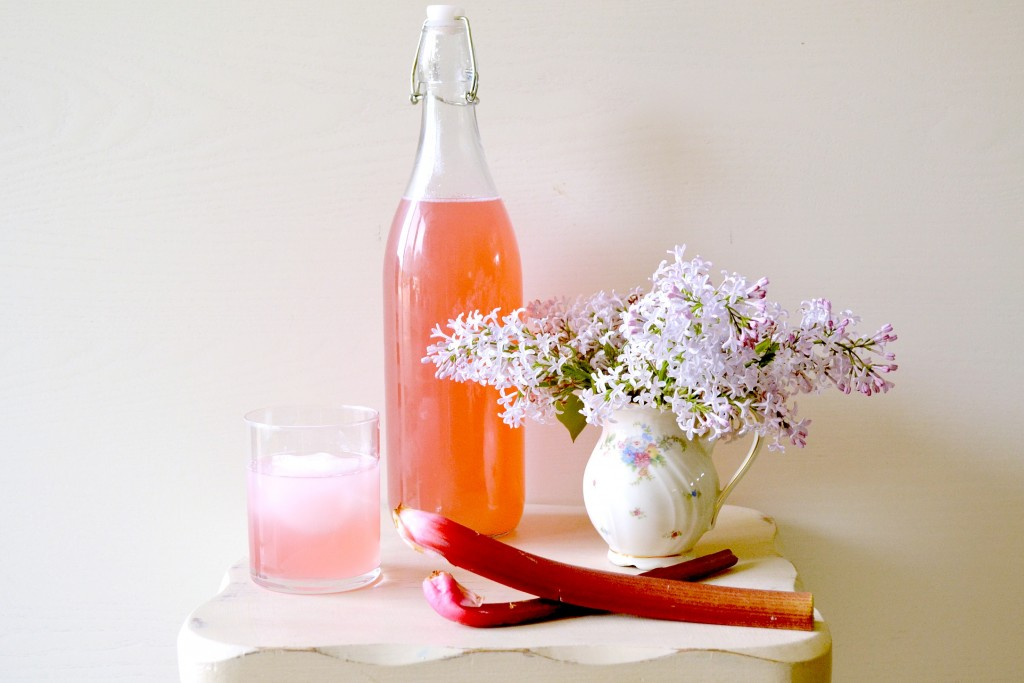 rhubarb-cordial-1024x683.jpg