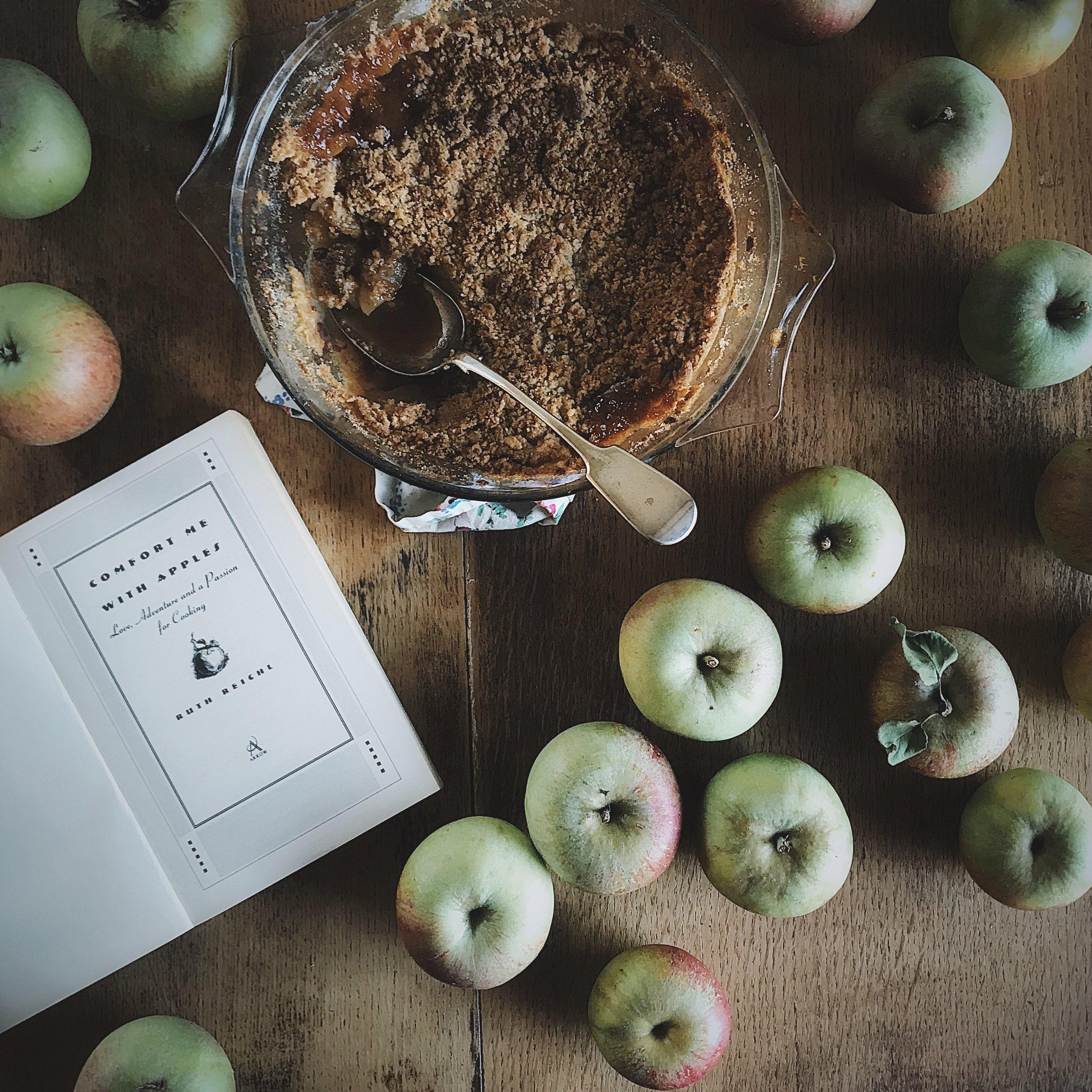 apple and cinnamon crumble.