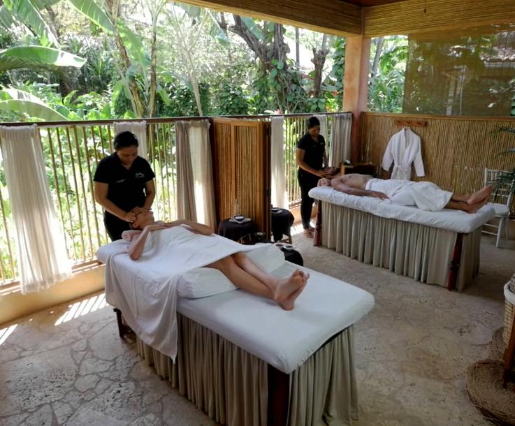 Couple massage.png