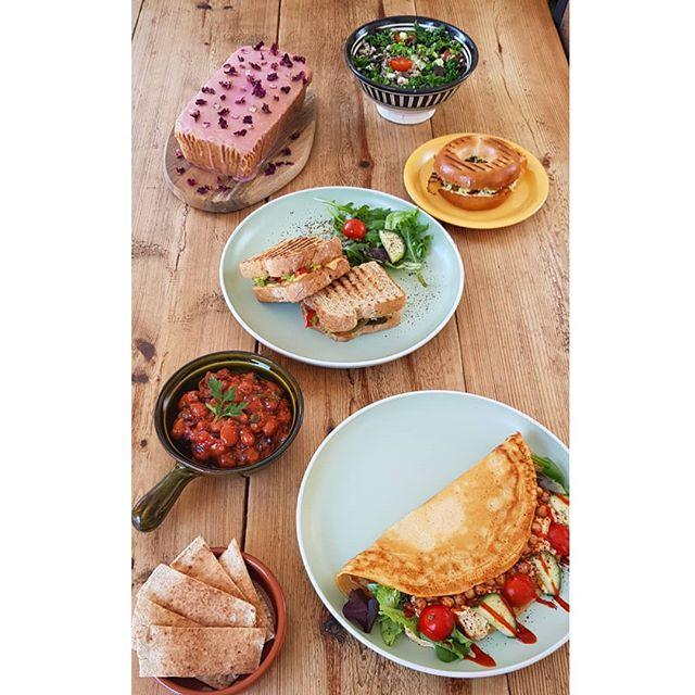 What's your favourite dish at Communitea? 💖🌼🌯🥪🥞🍰🍪