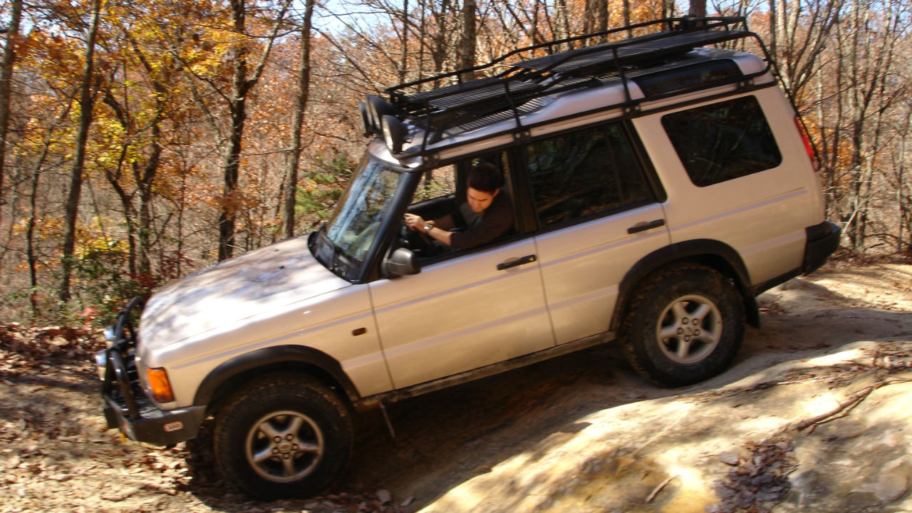 off-road-roof-rack-flooring-Land-Rover-Discovery-Voyager-offroad.jpg