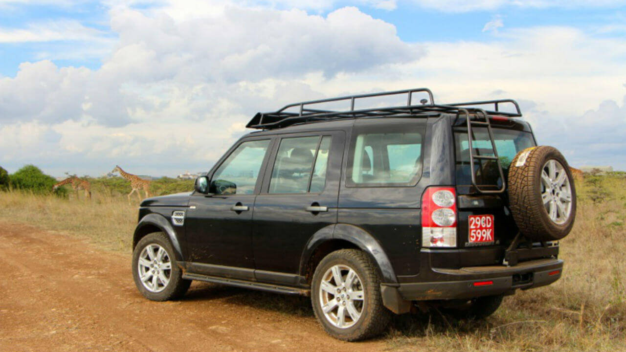 Land-Rover-LR3-LR4-tire-carrier-rear-access-ladder-Standard-Voyager-off-road-roof-rack-Voyager-Offroad