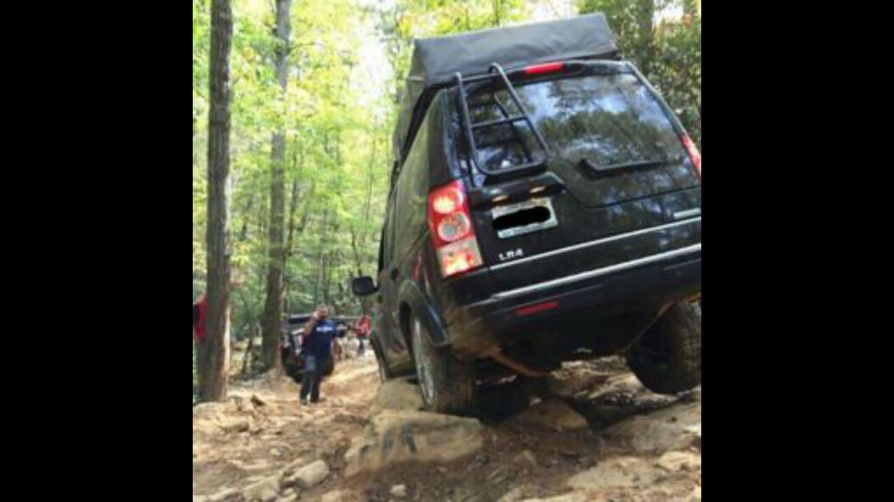 Land-Rover-LR3-rock-sliders-rock-crawling-off-road-Voyager-Offroad.jpg