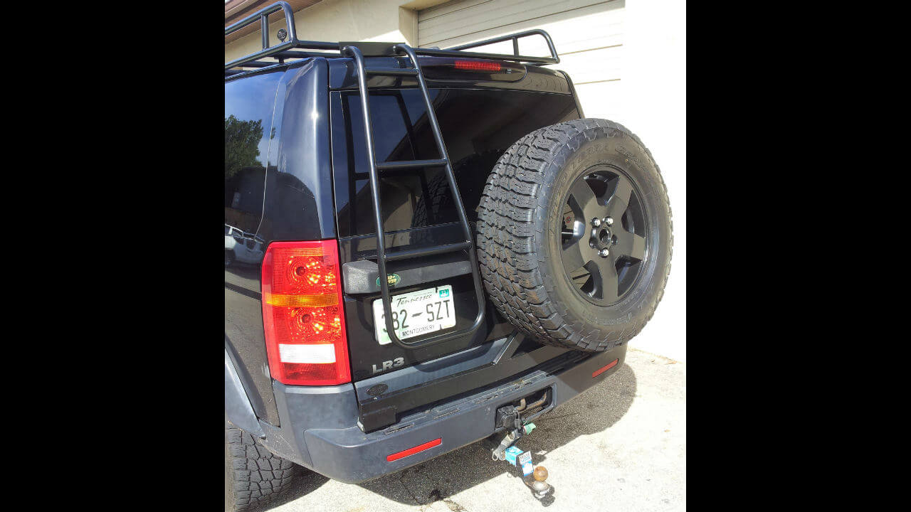 Land-Rover-LR3-rear-access-ladder-extra-step-off-road-Voyager-Offroad.jpg