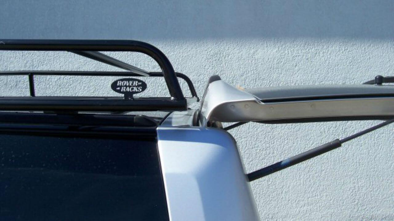 Land-Rover-LR3-Standard-Voyager-roof-rack-trunk-open-off-road-Voyager-Offroad.jpg