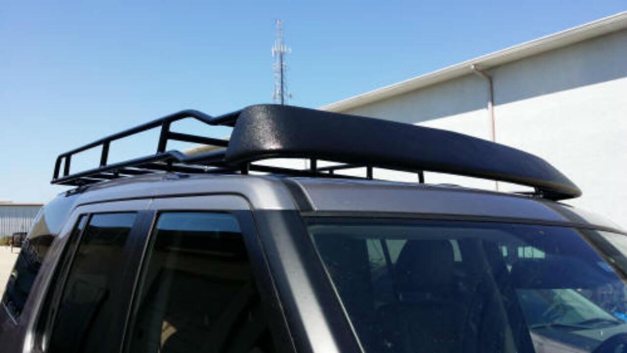 Land-Rover-LR3-molded-windfairing-Standard-Voyager-roof-rack-off-road-Voyager-Offroad