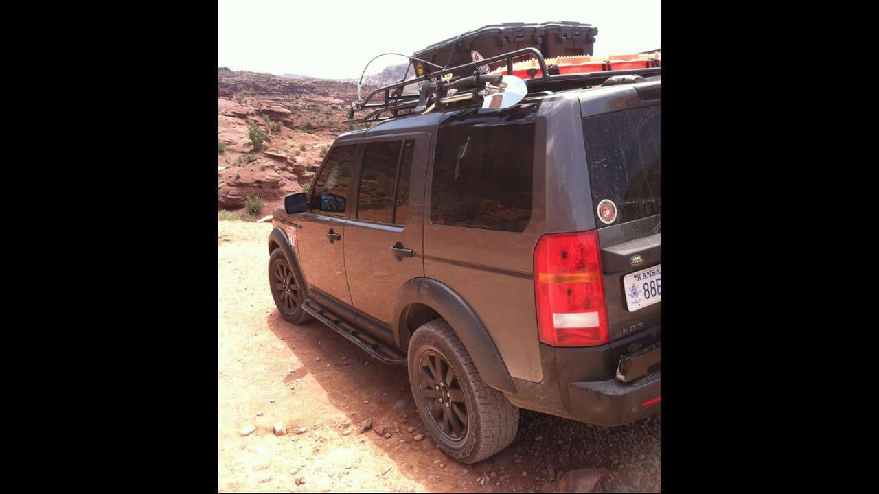 Land-Rover-LR4-standard-voyager-roof-rack-rock-sliders-extra-step-off-road-Voyager-Offroad.jpg