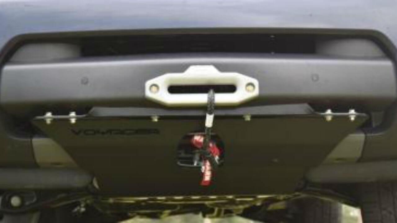Land-Rover-LR4-off-road-skid-plate-hidden-winch-mount-Voyager-Offroad